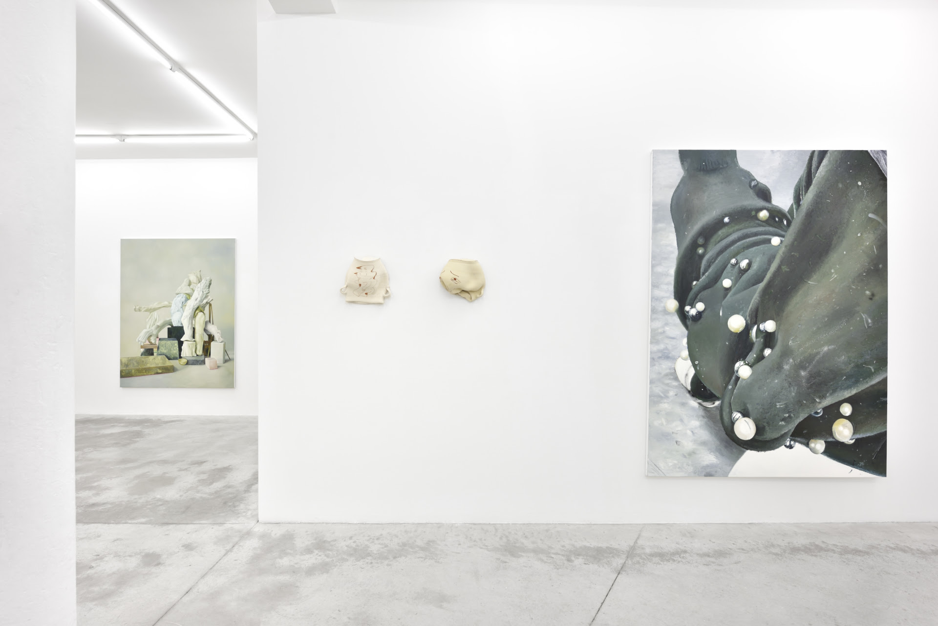 © Galerie Praz-Delavallade, Paris, Exhibition view, photo credit: Rebecca Fanuele