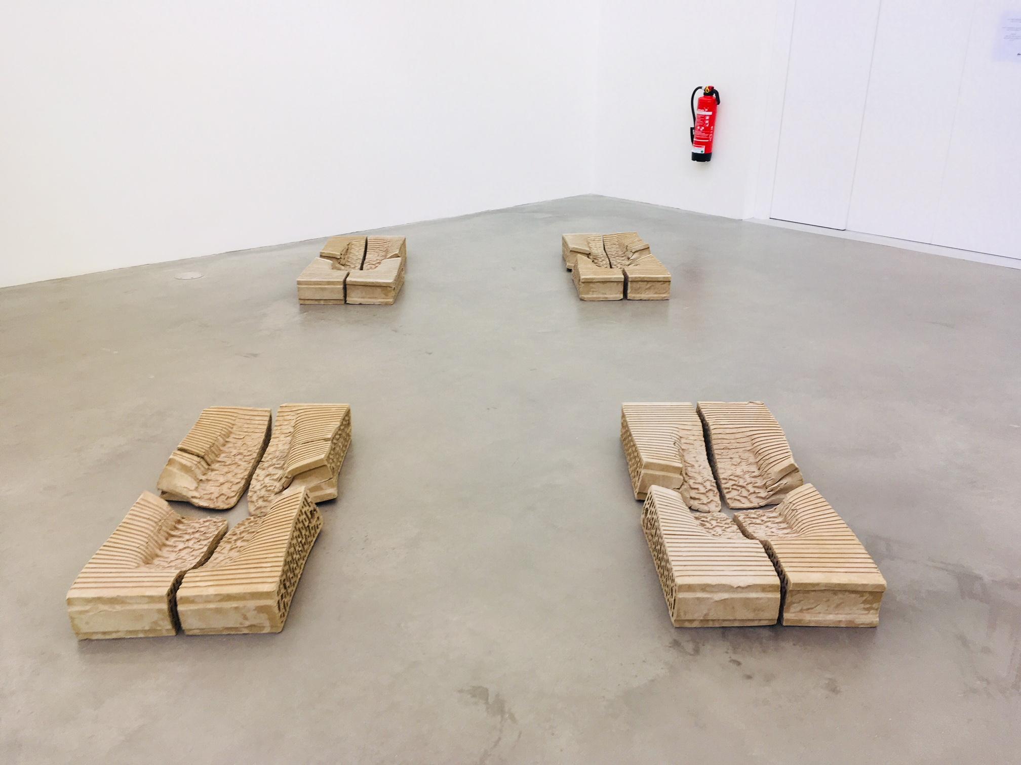 Bricks, 2018, Taiyo Onorato & Nico Krebs, Defying Gravity, photo © #HorstundEdeltraut
