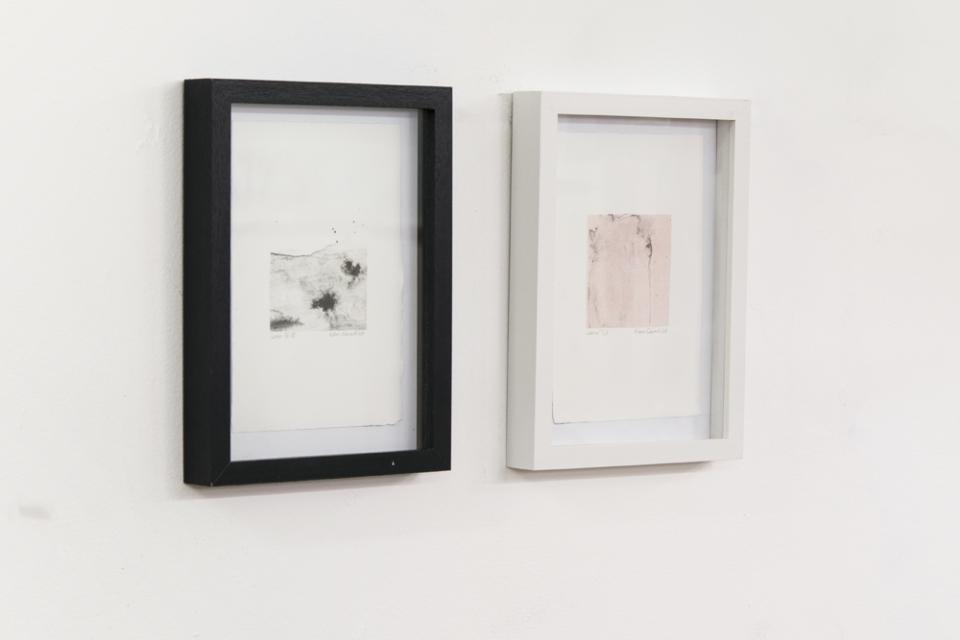 © Kathrin Edwards, Installationview lumen VII.VI, lumen I.I, lithography on handmade paper, 14x20 cm, 2018