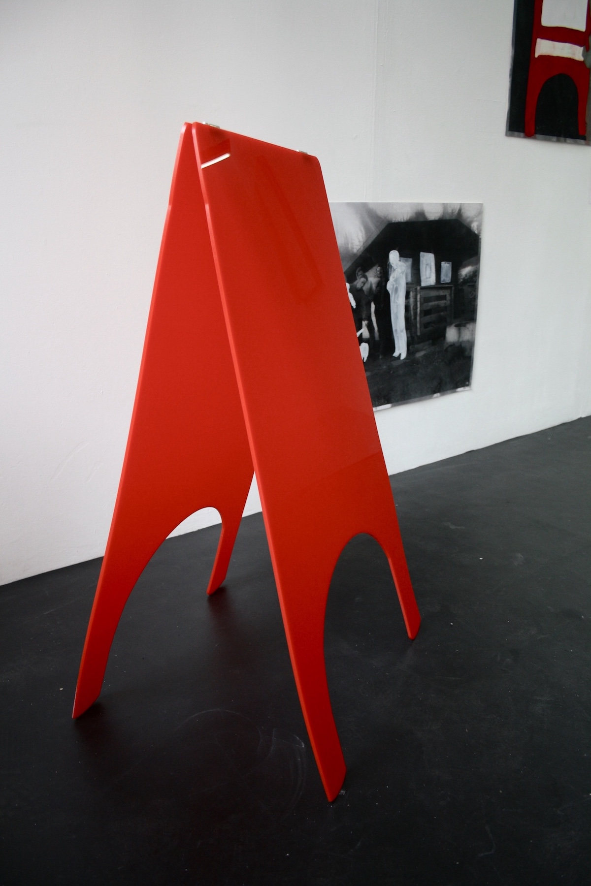 Michaela McManus, 3D Drawing of an Easel, perspex and stainless steel, 2018