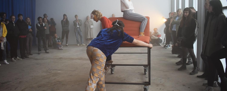 Sophia Lökenhoff Performance Documentation Frequency Diploma Show the fire of iaga 2019 performers Carlotta Drinkewitz Eileen Lofink Lexi Schnäbele Filmstill Constanze Klar